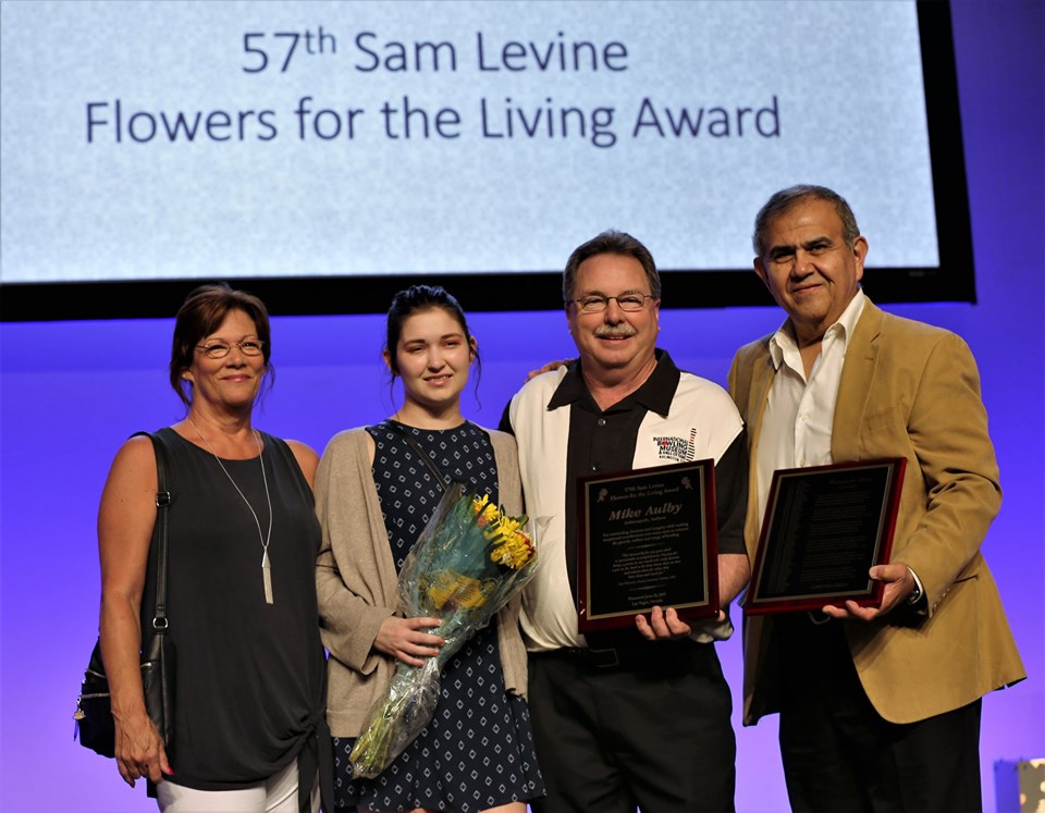 Mike Aulby Earns 57th Sam Levine Flowers for the Living Award